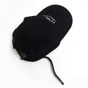 หมวกแก๊ปสีดำล้วน